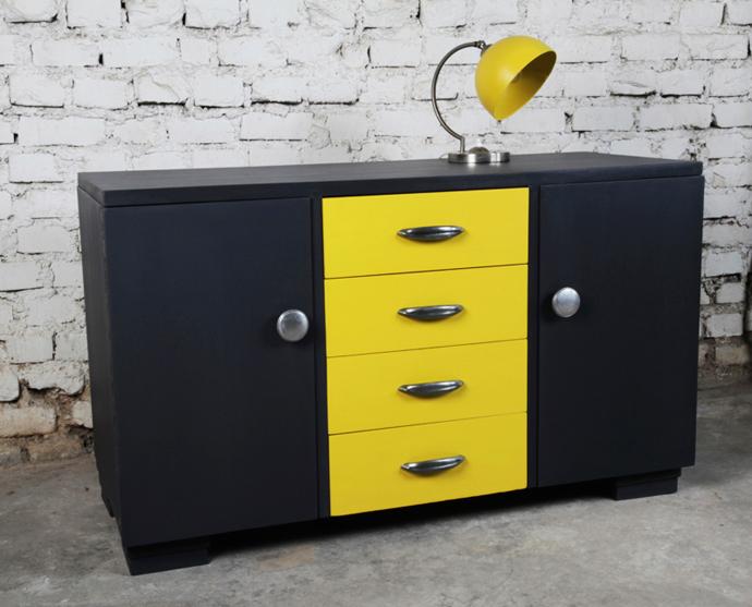 Enfilade vintage en bois peint et patiné anthracite et jaune vif