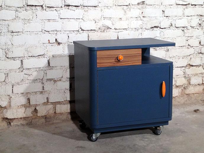 vintage blue la cabane de jeanne cr ation de meubles bois m tal. Black Bedroom Furniture Sets. Home Design Ideas